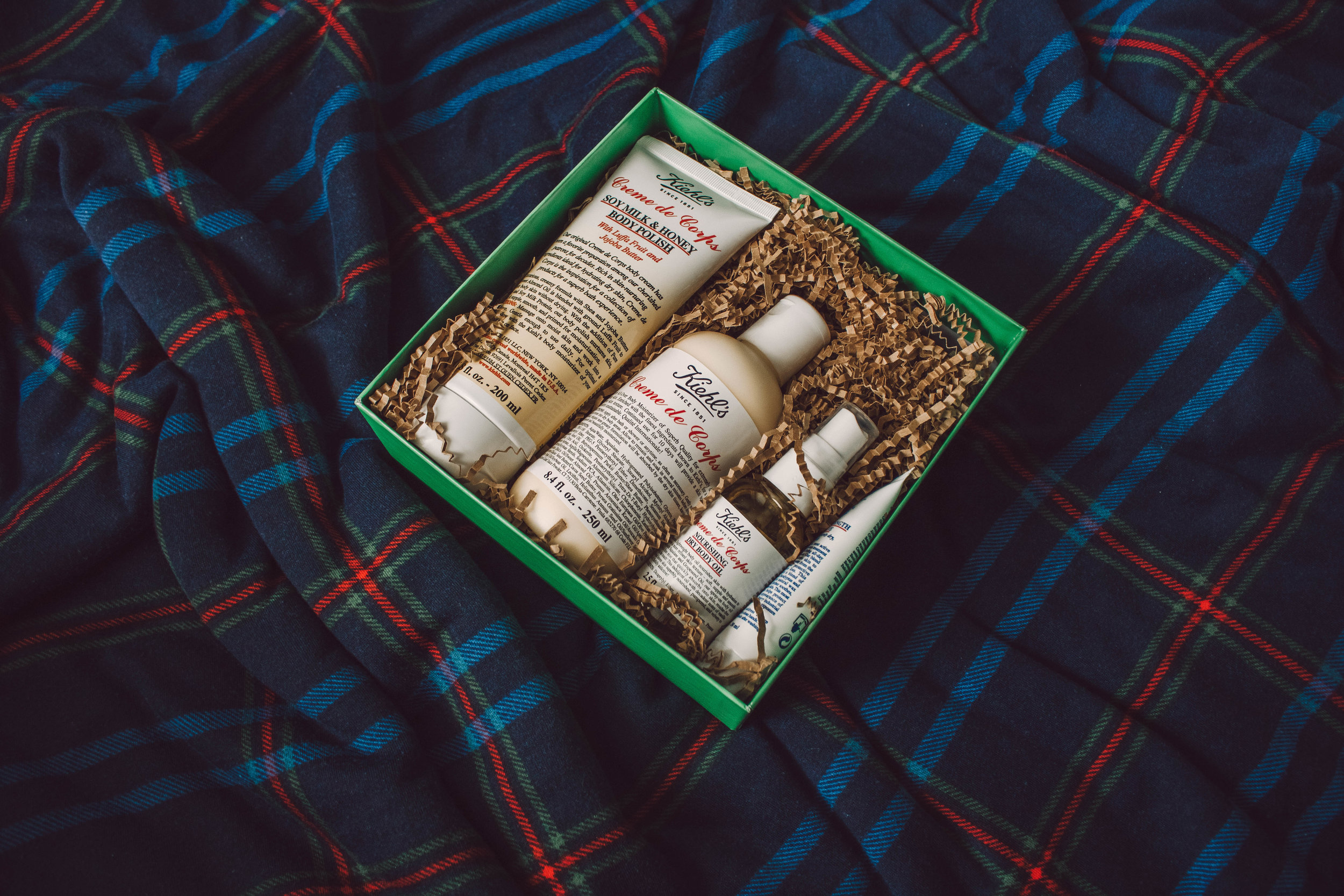 Beauty Gift Ideas with Kiehl's at The Fashion Mall, featured by top Indianapolis beauty blog, Trendy in Indy: image of Kiehl's beauty set