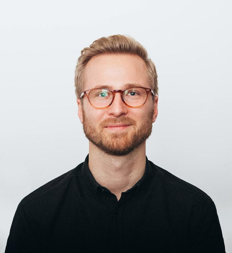 <b>Simon <br>Rosted</b><br><br>Business Developer