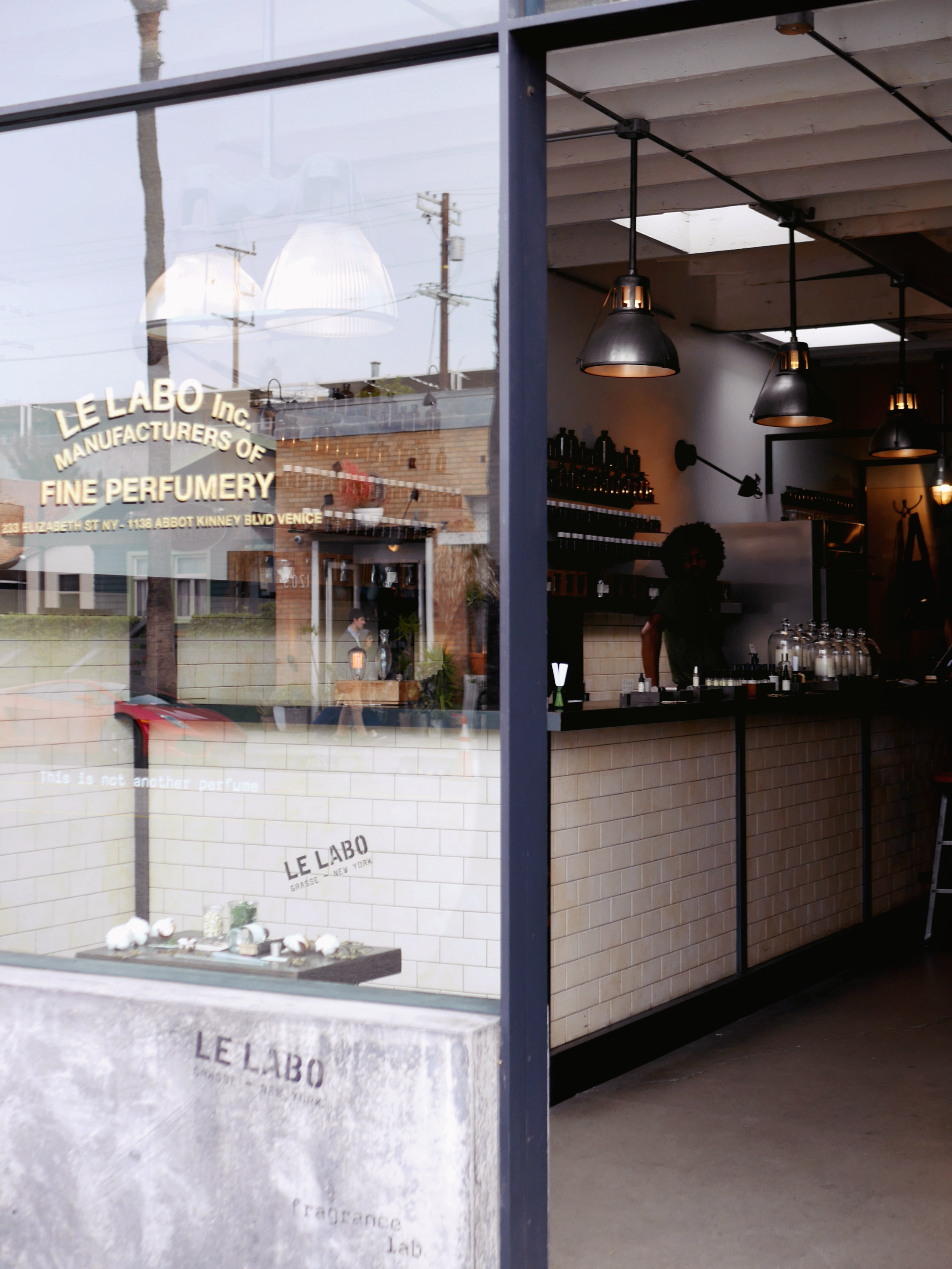 If you stroll down Abbot Kinney make sure to stop by Le Labo, if you're into perfumes like me :)