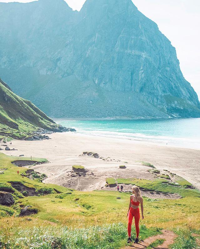 Hiked to the breathtaking Kvalvika beach today with my mom! ✨ This amazing place is located at Flakstad Island - one of the islands in beautiful Lofoten.  Fun fact: I was born in Lofoten and my middle name is Flakstad! Having a family name from one of the most beautiful places on earth is pretty awesome! 😎 . . . . #travel #TLPicks #LoveTheWorld #wonderful_places #dametraveler #mytinyatlas #exploringtheglobe #fromwhereistand #wearetravelgirls #sheisnotlost #stayandwander #bohopassport #traveldeeper #girlslovetravel #gltLOVE #traveleroftheweek #travelblogger #ourplanetdaily #earthpix #ladiesgoneglobal #speechlessplaces #kvalvika #beach #norway #visitnorway #lofoten #flakstad