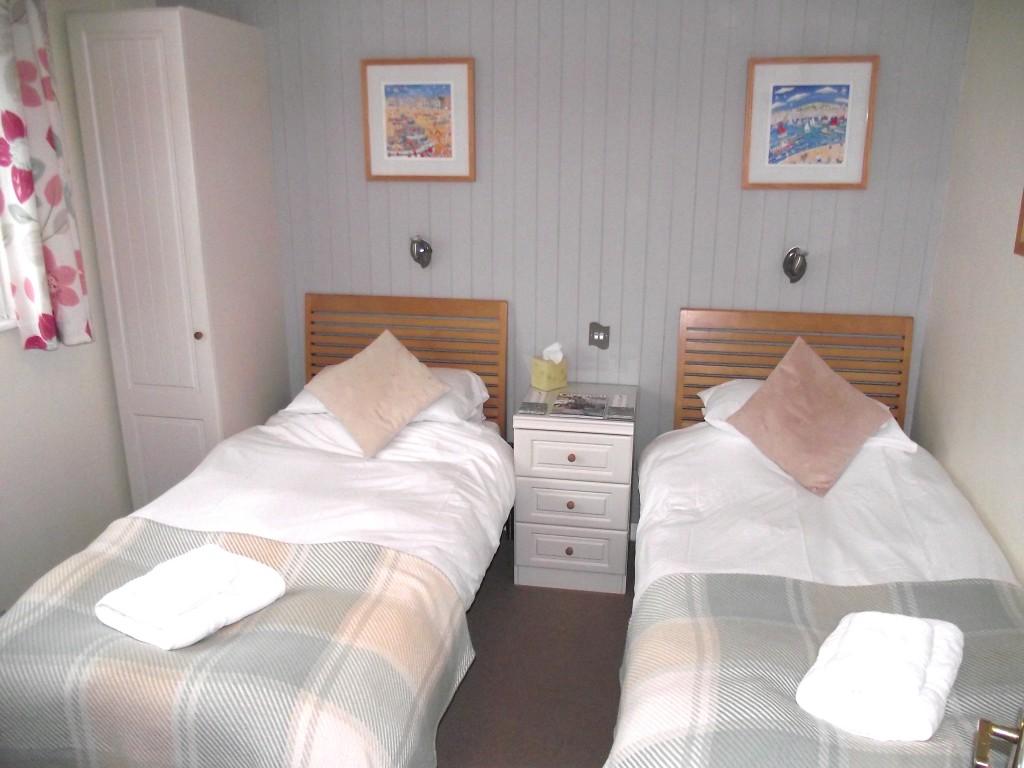 Bed Pic 2.jpg