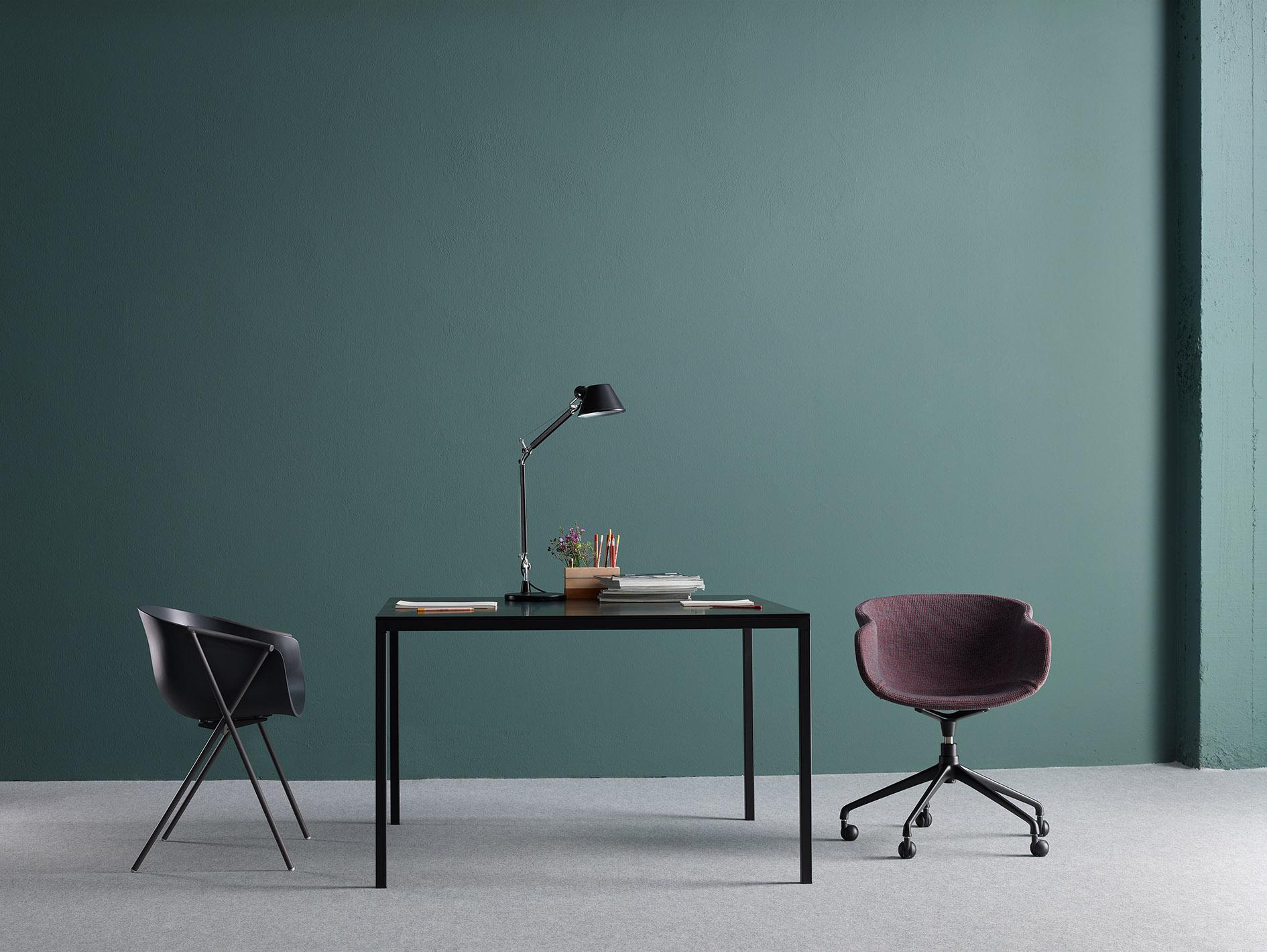 Designosophy ist ein Team aus Experten, welches sich auf den Vertrieb von Möbeln und Beleuchtungen spezialisiert hat. Unser Ziel ist es Ihnen bei Ihren Aufgaben, Projekten oder Wünschen zur Seite zu stehen, Sie zu unterstützen und gutem Design eine Bühne zu geben. -