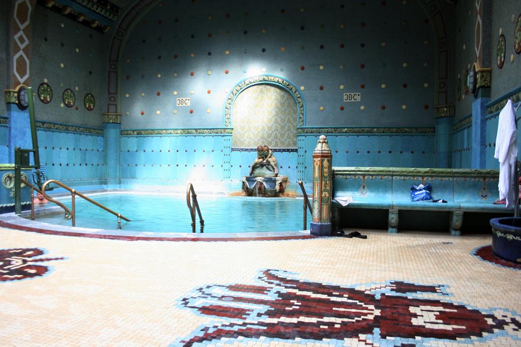 Thermal-Pool-Gellert-Spa-Bath.jpg