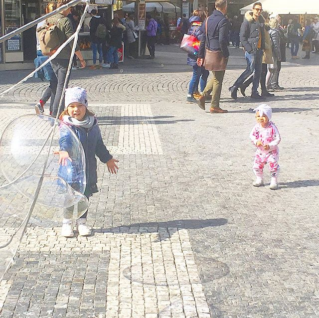 Here's how you sightsee with kids in Prague. All the tips you need to succeed with toddlers. ⠀⠀ ⠀⠀ LINK IN BIO⠀⠀ ⠀⠀ ⠀⠀ ⠀⠀ #blackgirlinbudapest #bgib #hungary #budapest #traveltheworld #blackmagicgirl #blackwomantravel #travel #internationaltravel #blacktravel #travelblogger #blackgirlstravel #travelgram #meettheworld #explore #love  #localsknow #girlslovetravel #Expat #Expatmom #Expatwife #czechrepublic #praha #europe #czech #fashionarenapragueoutlet