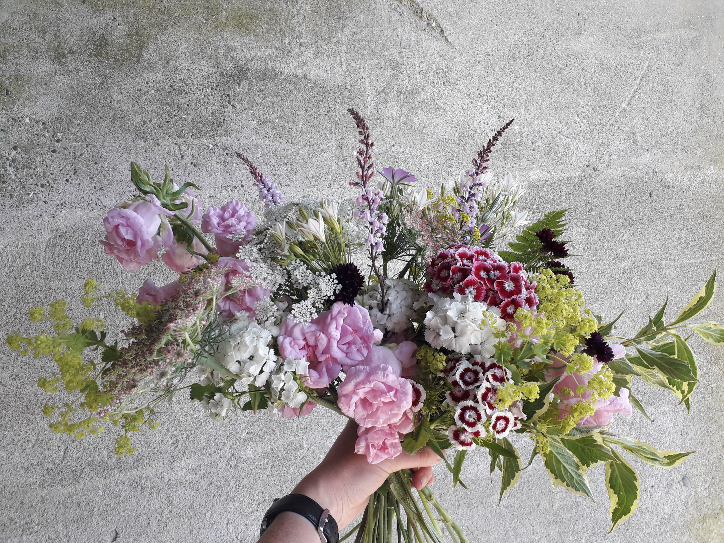 loose style bouquet.jpg