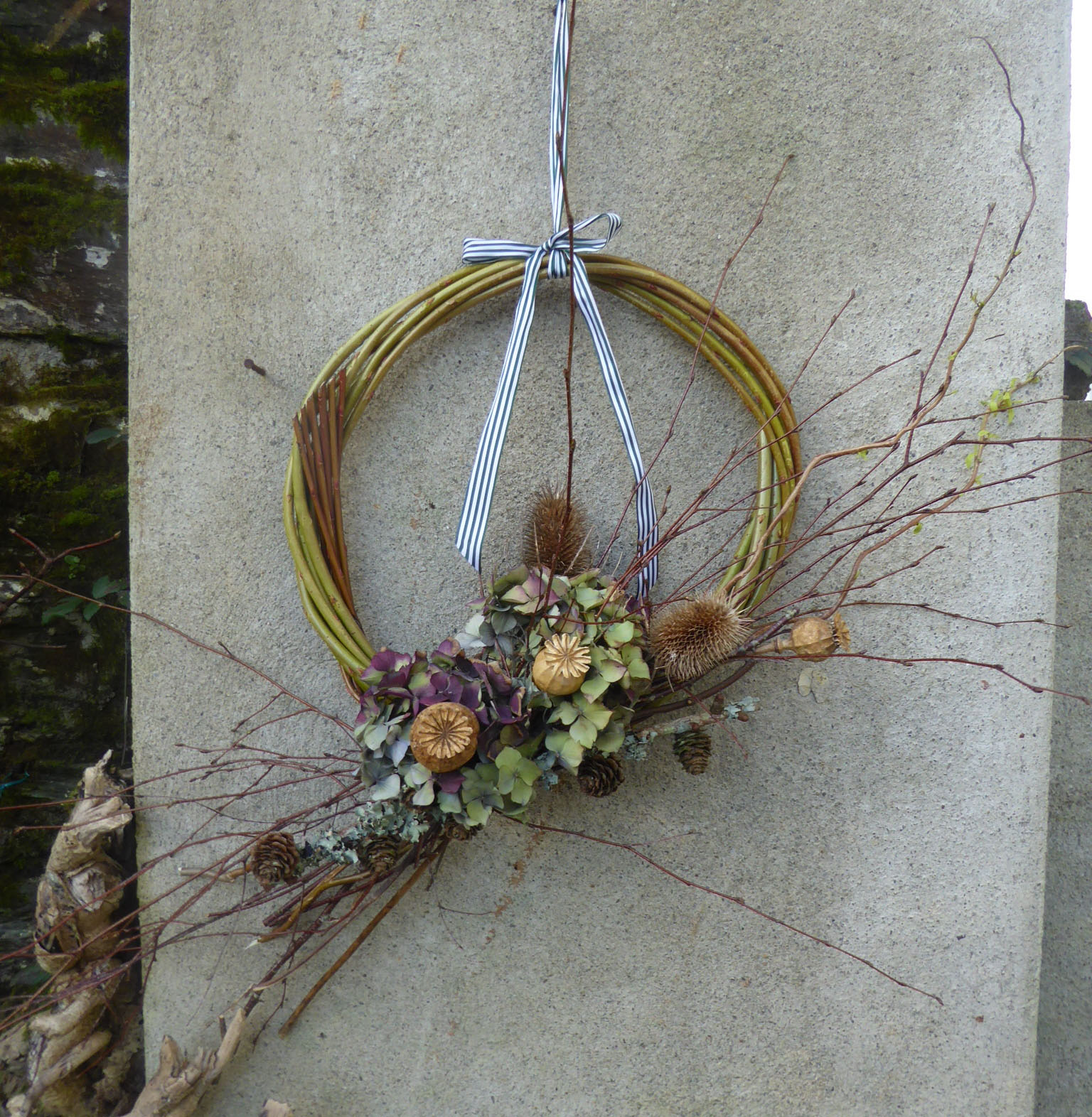 dried hydrangea willow wreath.JPG