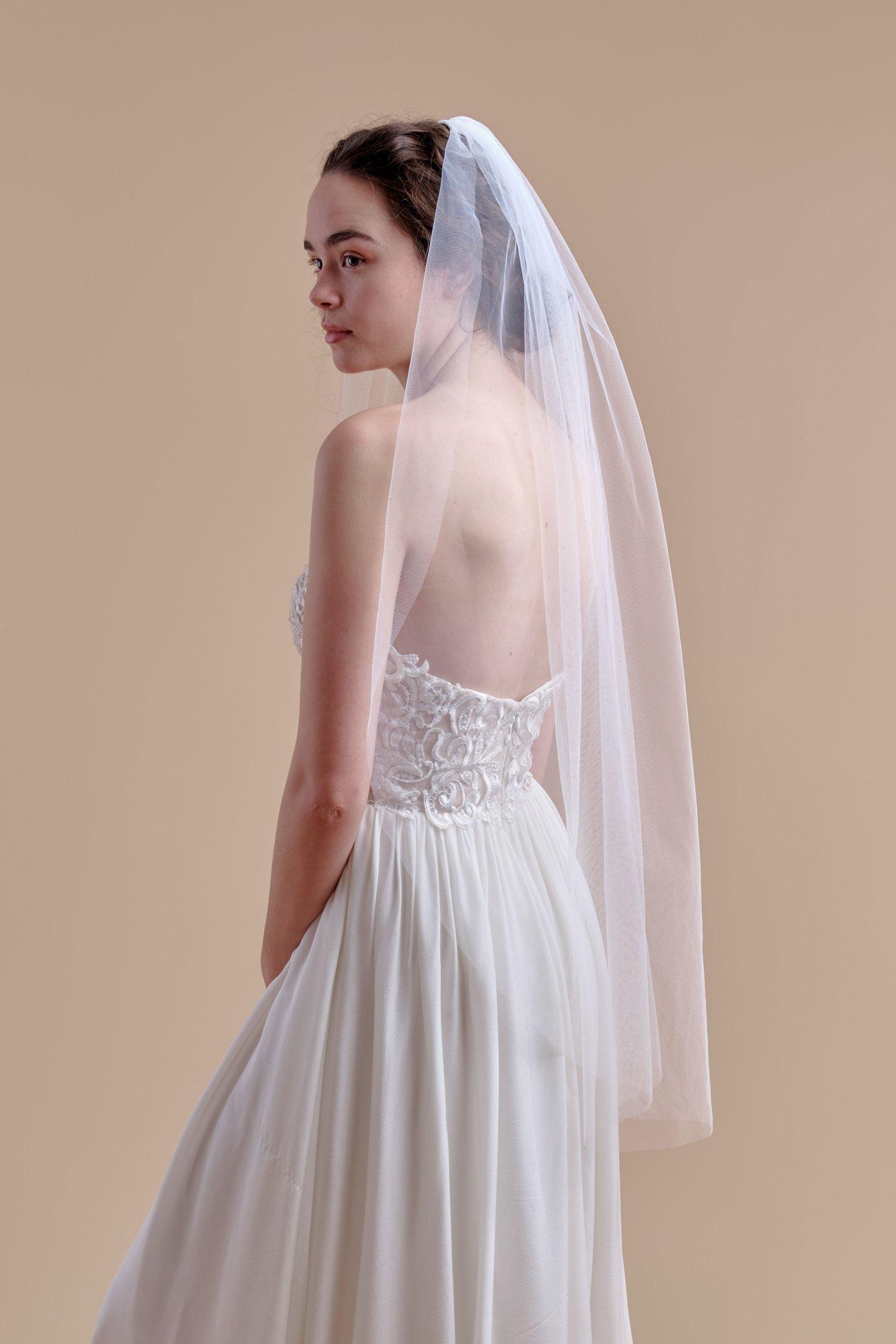 anomalie, basic tulle fingertip veil, affordable veils.jpg