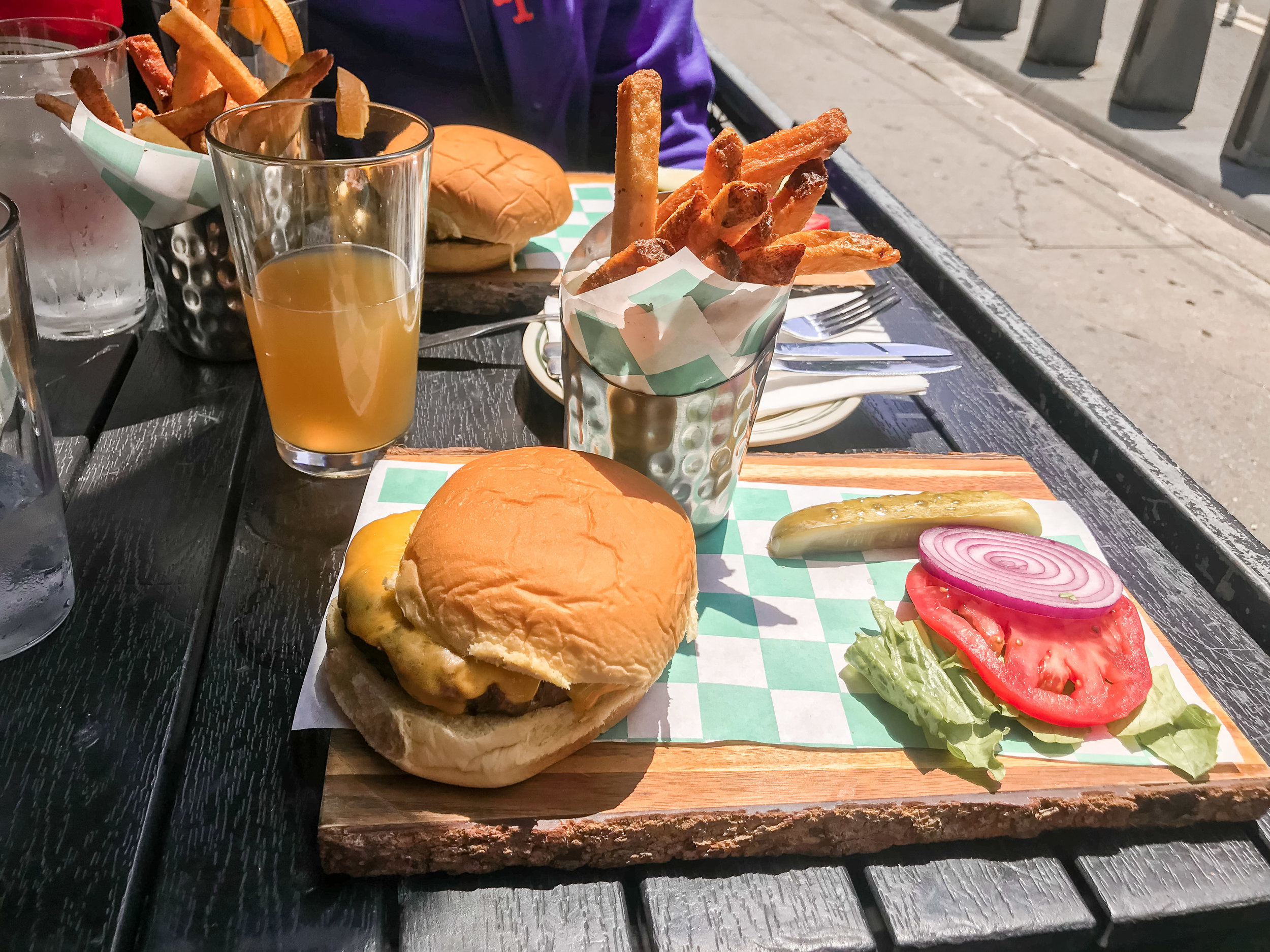 Hells Kitchen Irish Pub, Cheeseburger and French fries, Blue moon beer, lunch special.jpg