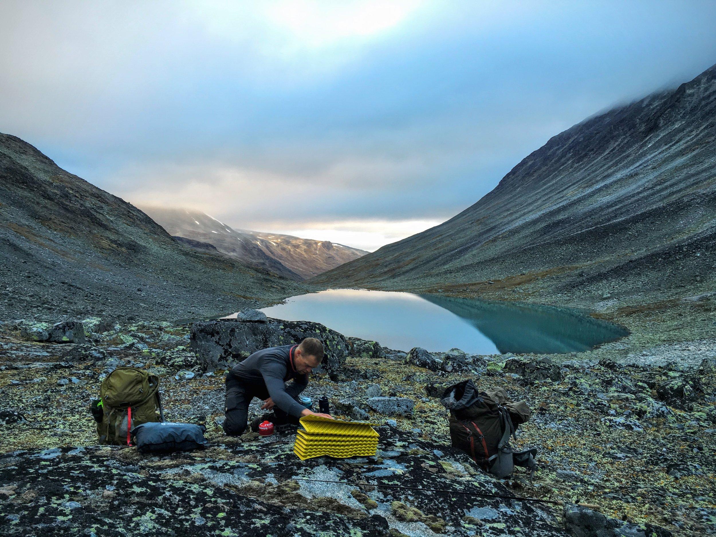 Jesper fik styr på morgenmaden, alt i mens jeg affiskede søerne.
