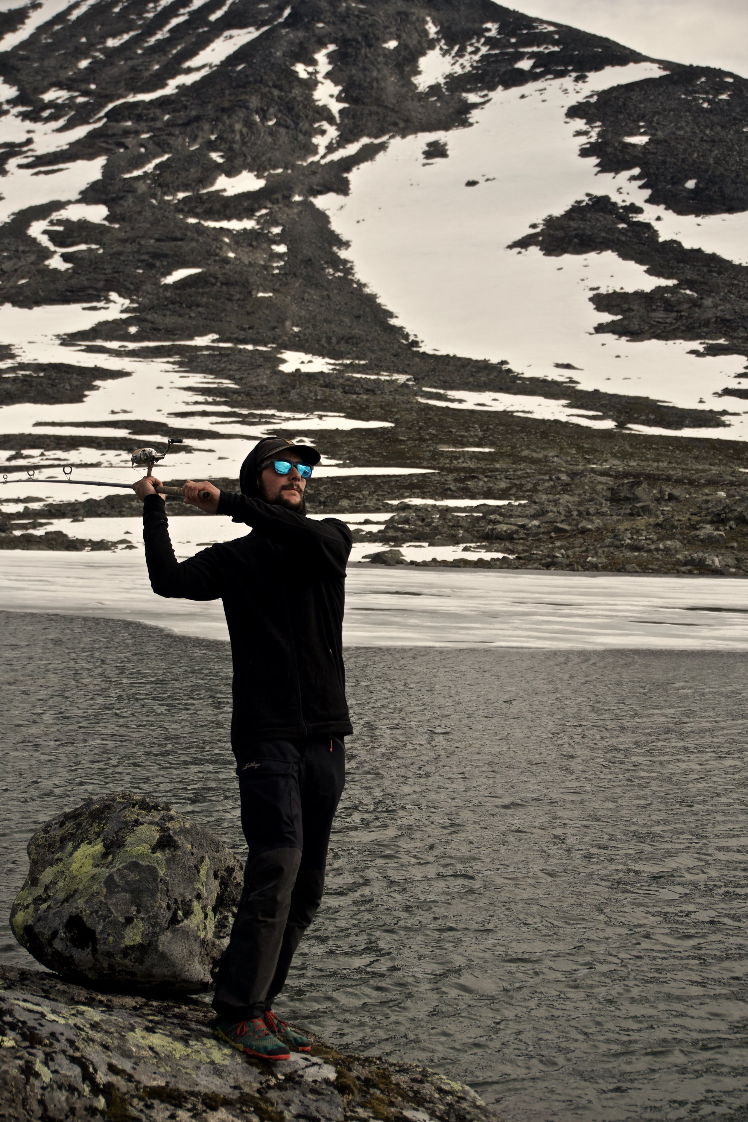 Vel ovre i  Rauddalen  forsøgte jeg at fiske i alle søerne - alle gange uden held!
