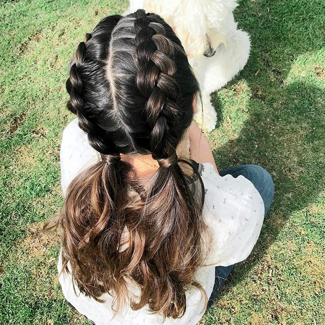 Sunday Funday with @oak.a.doke & the fam! Thanks for the #hairspiration @thedrybar. Neither of us had hair ties (typical...), so I just wrapped some extra hair at the base & secured with a #bobbypin 💁🏻