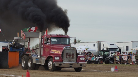 COMPETITORS — PREMIERE TRACTOR PULL EVENTS IN CANADA AND USA