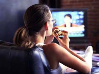 eating-while-watching.jpg