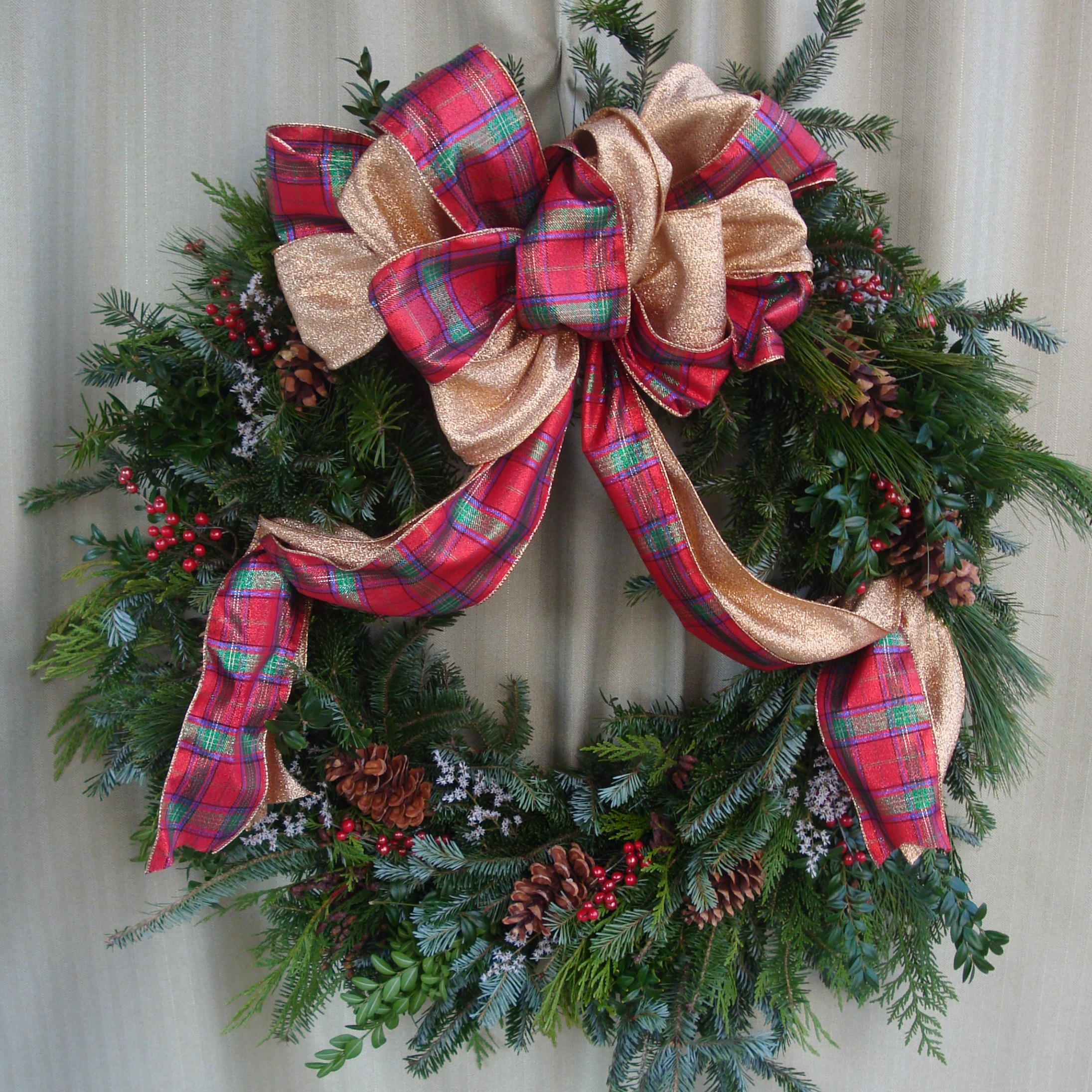 W- Mixed wreath gold and red plaid ribbon.jpg