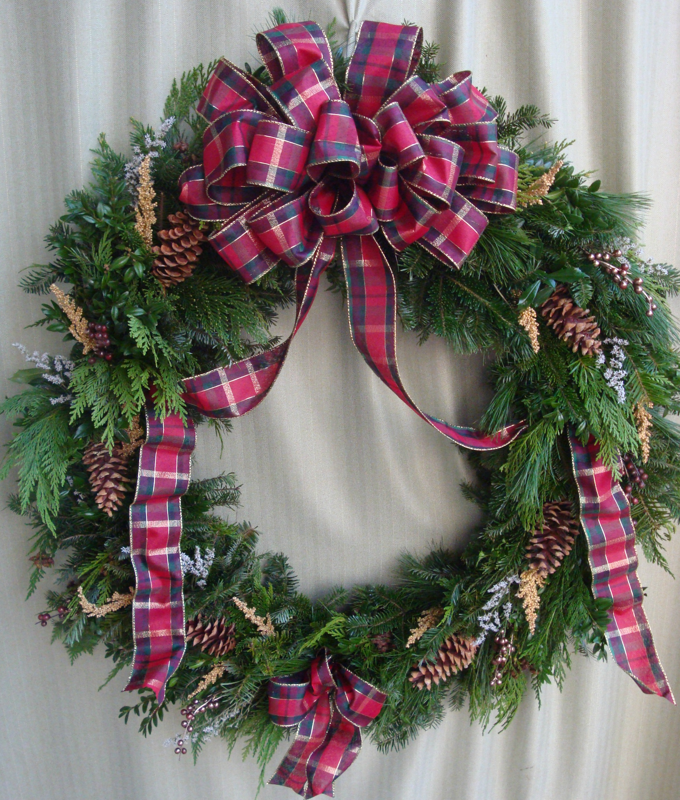W- Mixed wreath with large bow.jpg