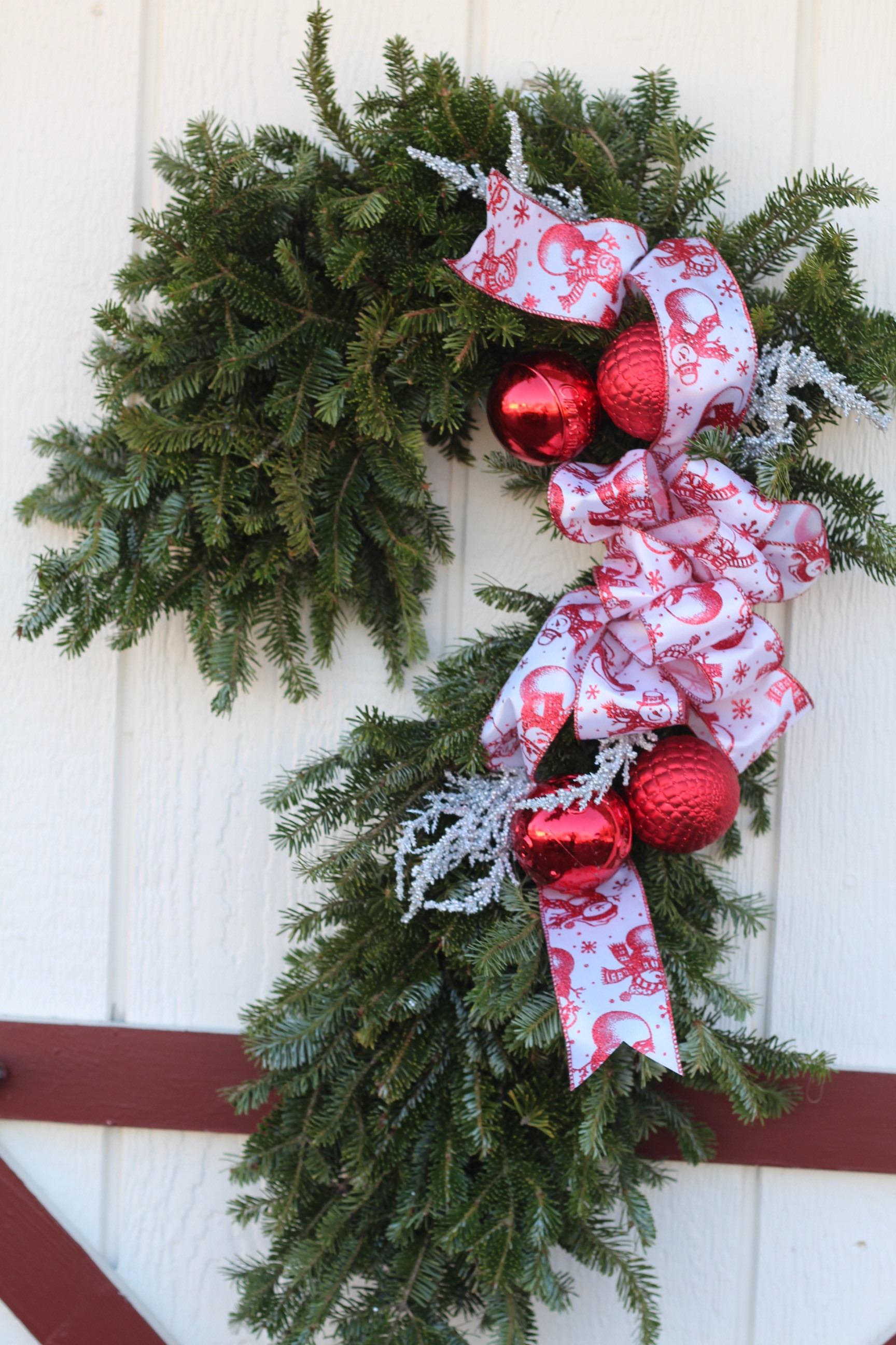CC-Candy Cane with snowman bow.JPG