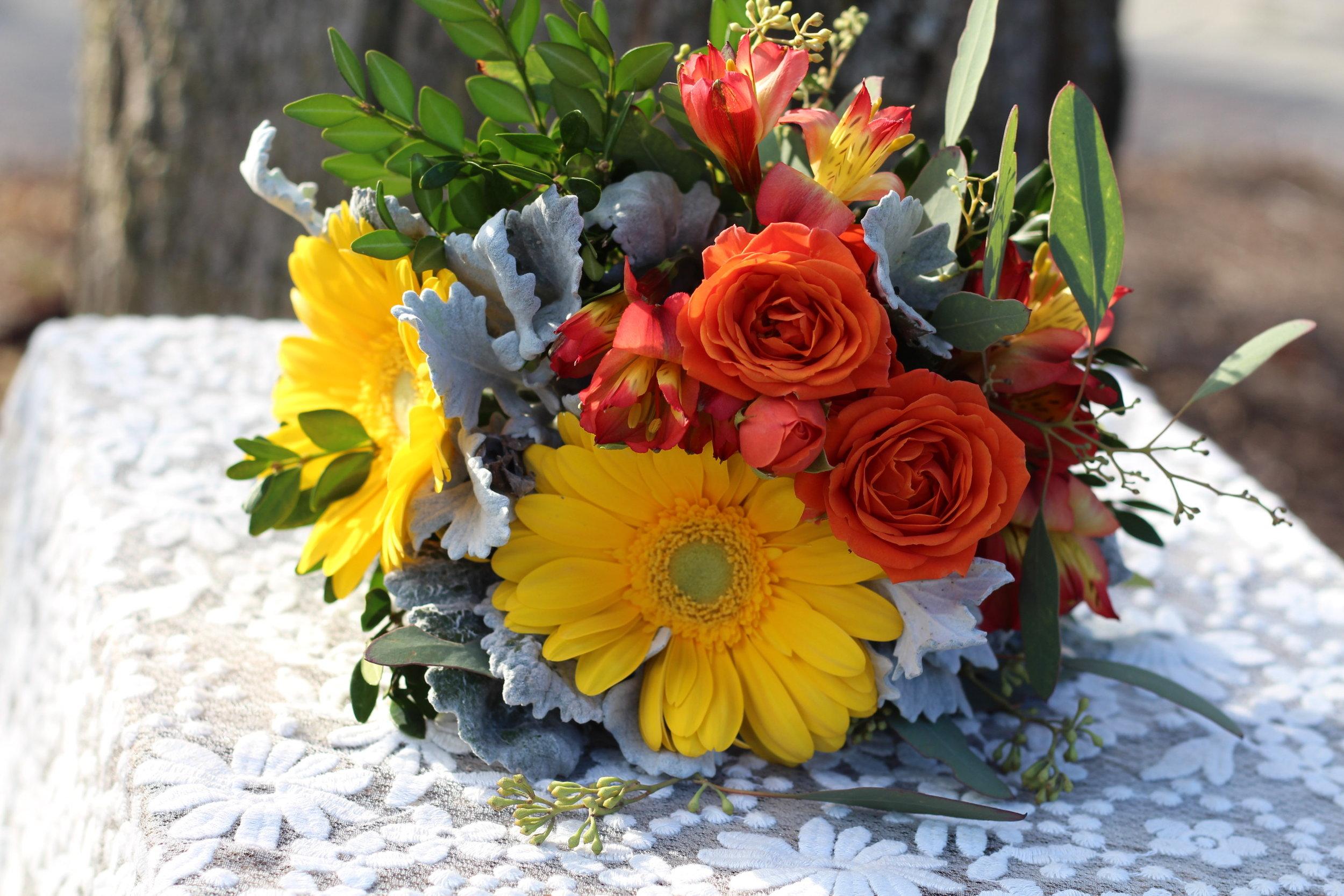 B- Yellow Gerbera orange roses.JPG