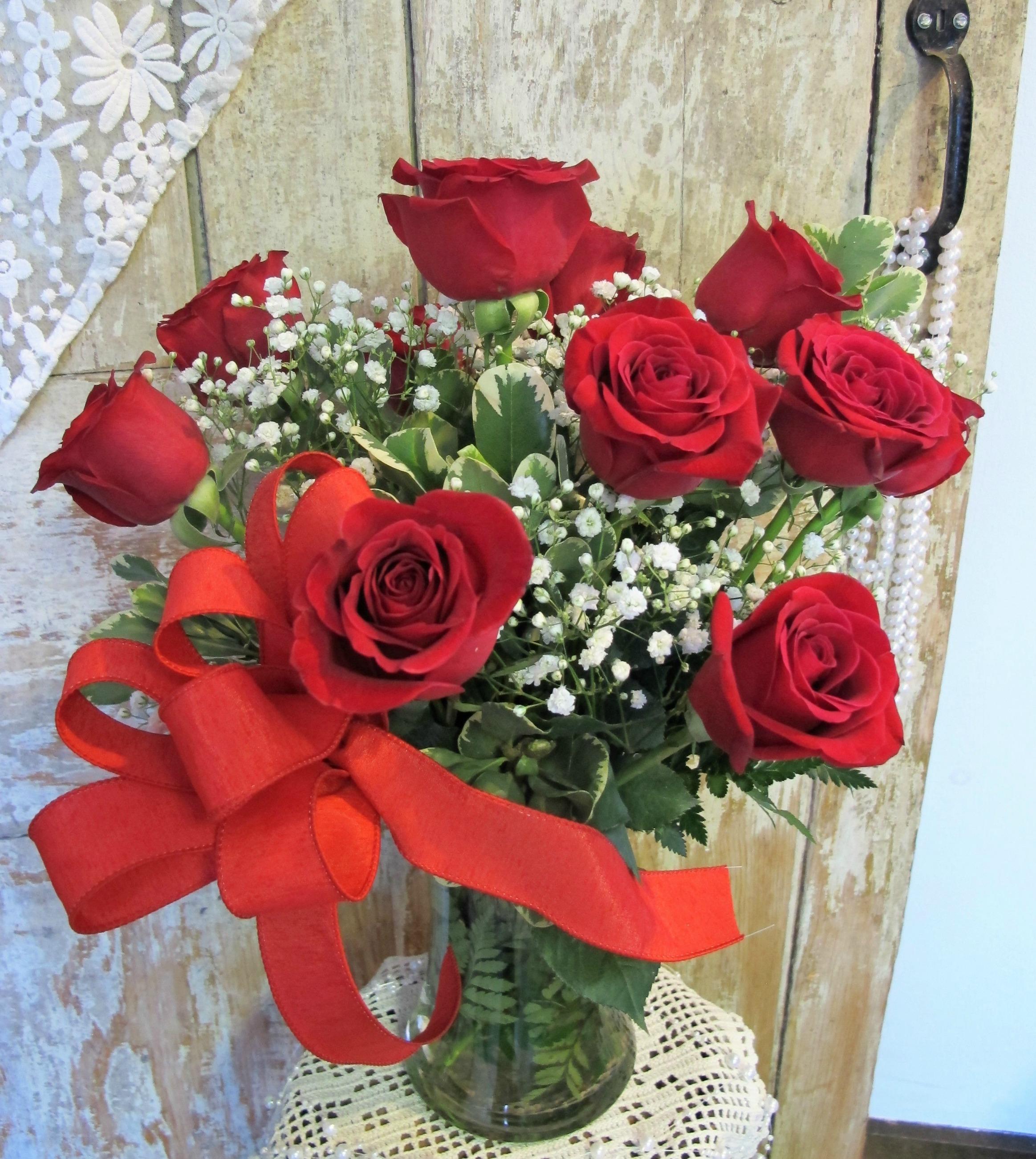 V- Dozen Red Roses.jpg
