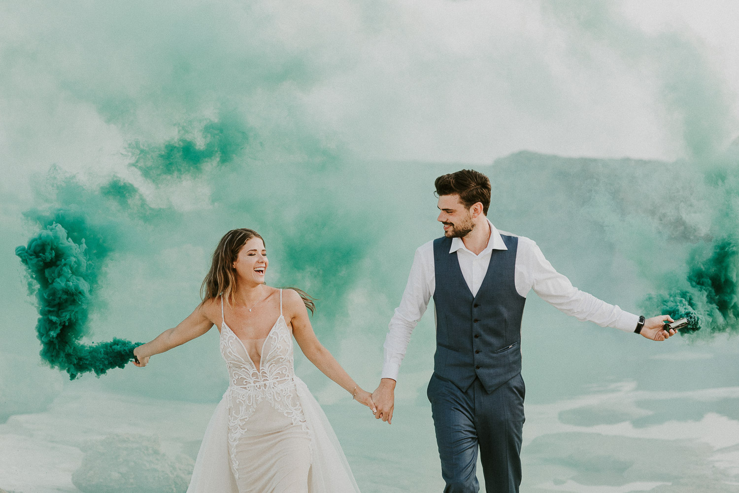 alternative-dreamy-wedding-smoke-bombs-cyprus77.jpg
