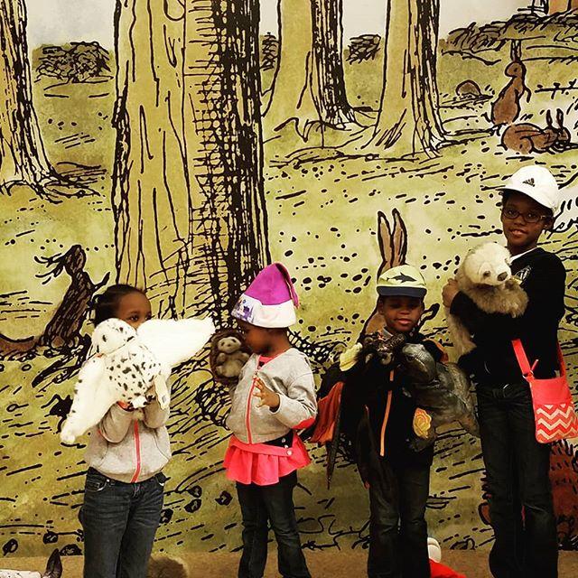 Puppet play on stage at Barnes & Noble...great indoor activity when it's cold @barnesandnoble . . . . . #blackmomsblog #browngirlbloggers #instamoms #momsofinstagram #mommyblogger #letthembelittle #candidchildhood #momblogger #sahmlife #sahm #homepreschool #preschoolathome #momslivinghappy #bestofmoms #thatmomlife #ohheymama #iteachtoo #earlylearning #momoftwins #momoffour #blackmoms #totschool #learningathome #homeschoolpreschool #homeschoolmom #kbnmoms #preschoolactivities #choosejoy