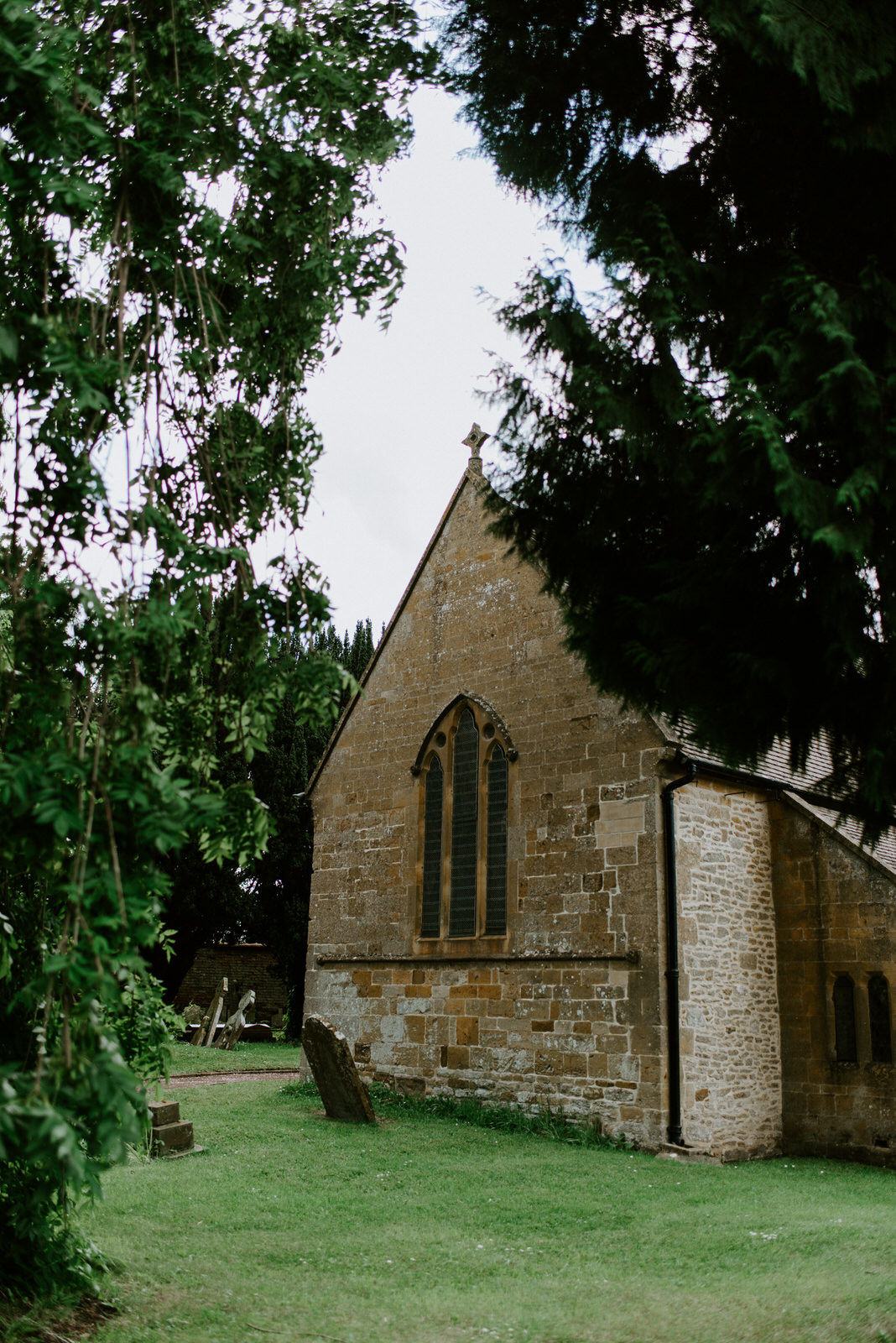 Intimate_Warwickshire_Countryside_Wedding_UK_70.JPG