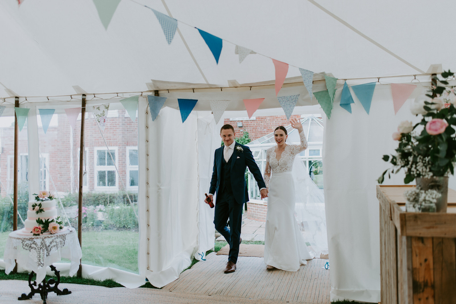 Intimate_Warwickshire_Countryside_Wedding_UK_75.JPG