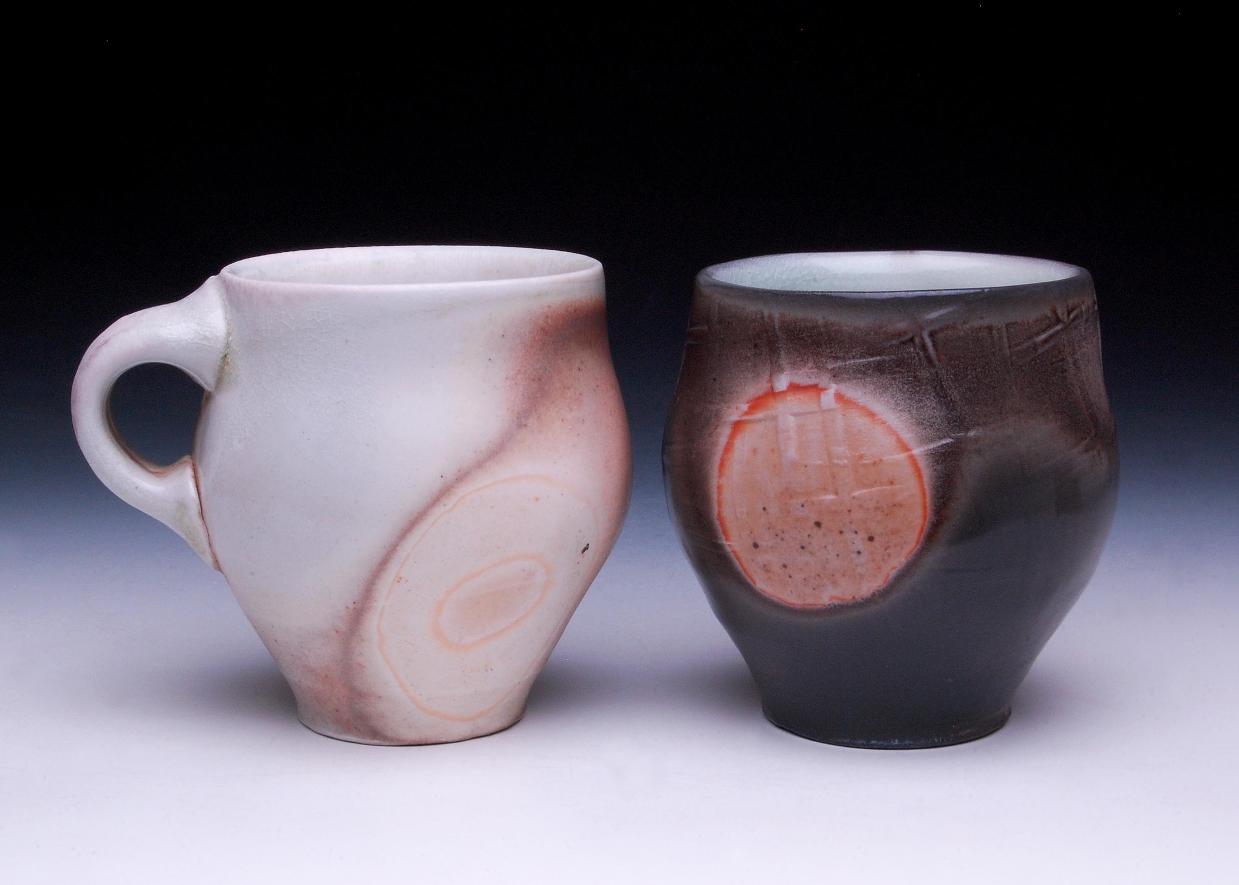 Light Mug Dark Yunomi Side 1.jpg