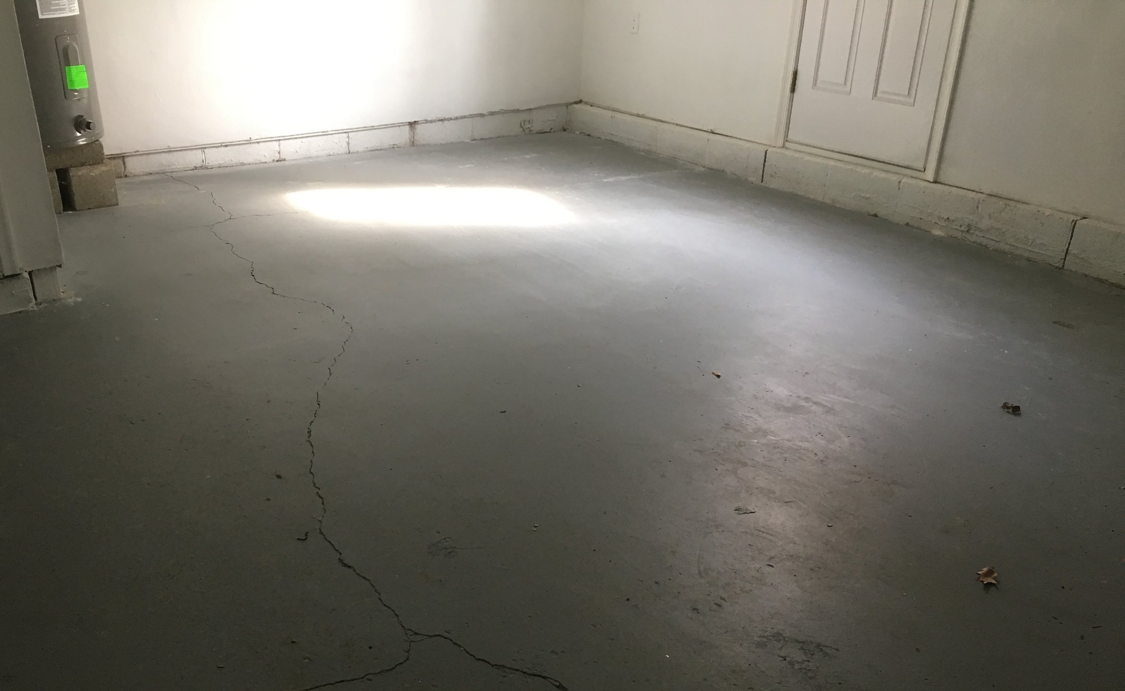garage_floor_sloping.jpg