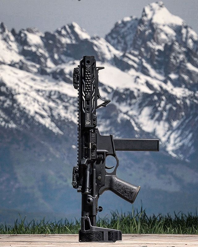 The Grand Teton never looked so better. Built this one from a @spikes_tactical that I got from @joeboboutfitters, a @sterndefense upper, and a @maximdefense brace. . . #ar15 #tactical #tacticalgear #pistol #rifles #weaponsdaily #weapons #pewpewpew #donttreadonme #everydaycarry #igmilitia #instagundams #gunporn #2a #2ndamendment #firearmstraining #comeandtakeit #freedom #madeinamerica #murica #edc #gunsofinstagram #guns #gunsdaily