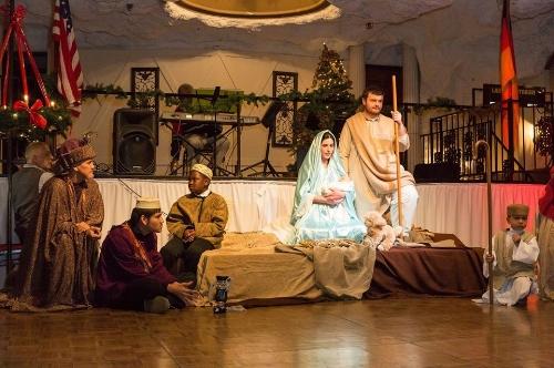 Nativity_holy_family_2016.jpg