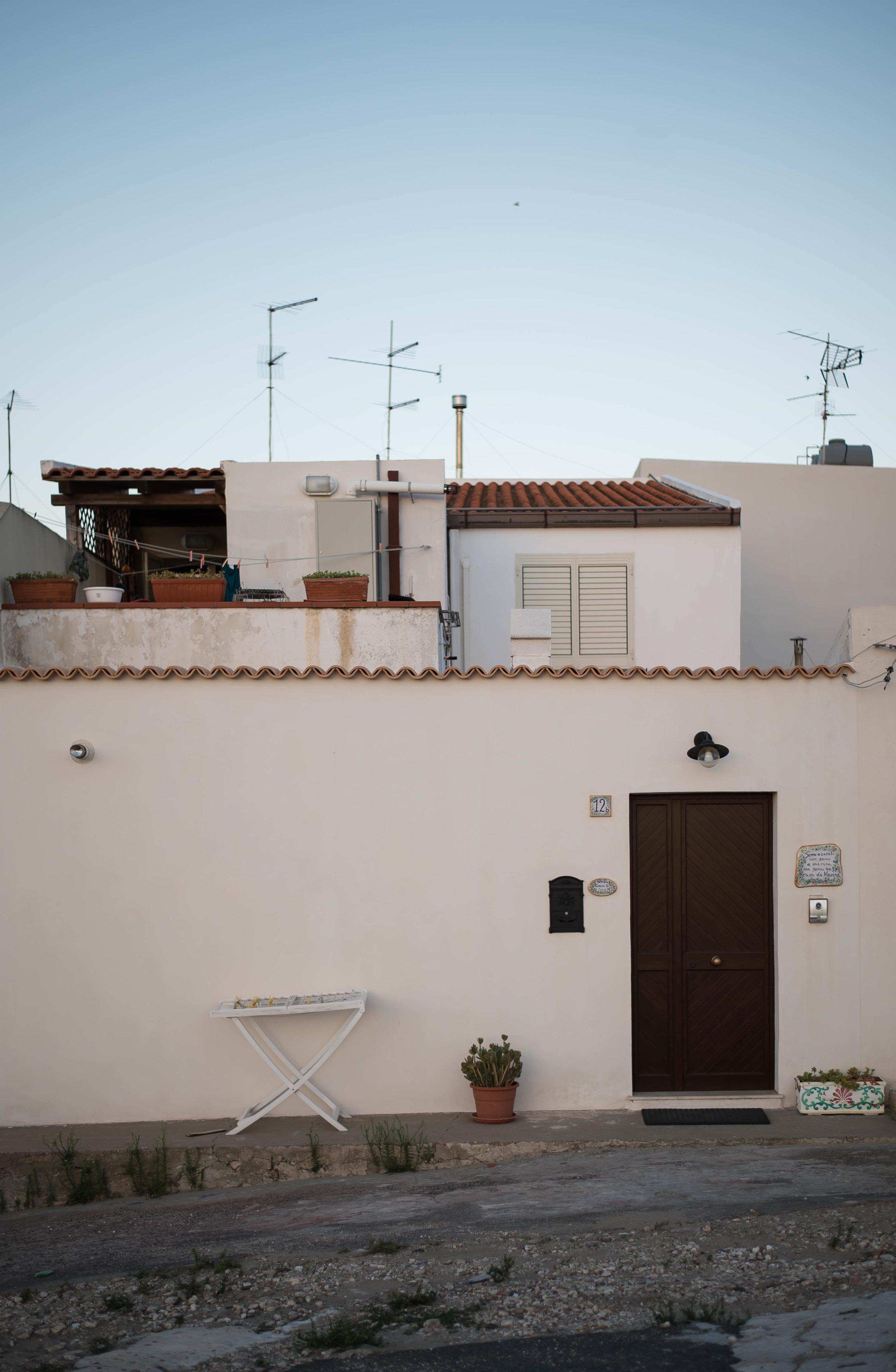 2015_09_23 brucoli_sicilia_italia houses 1 V1.jpg