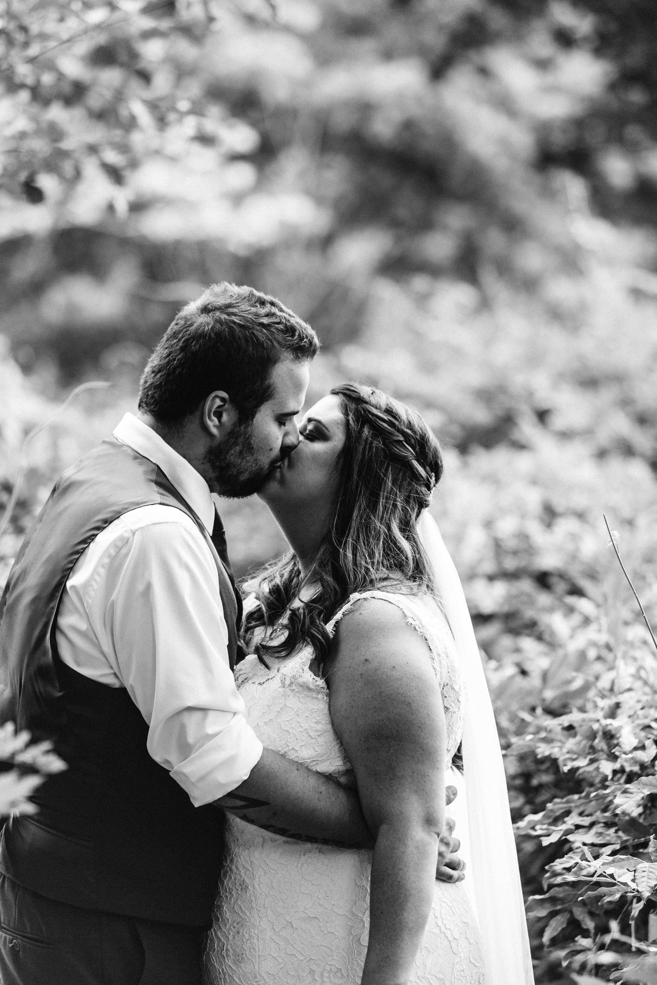 www.emilyobrienphotographynet-jess-ricky-blue-mountains-wedding-115.jpg