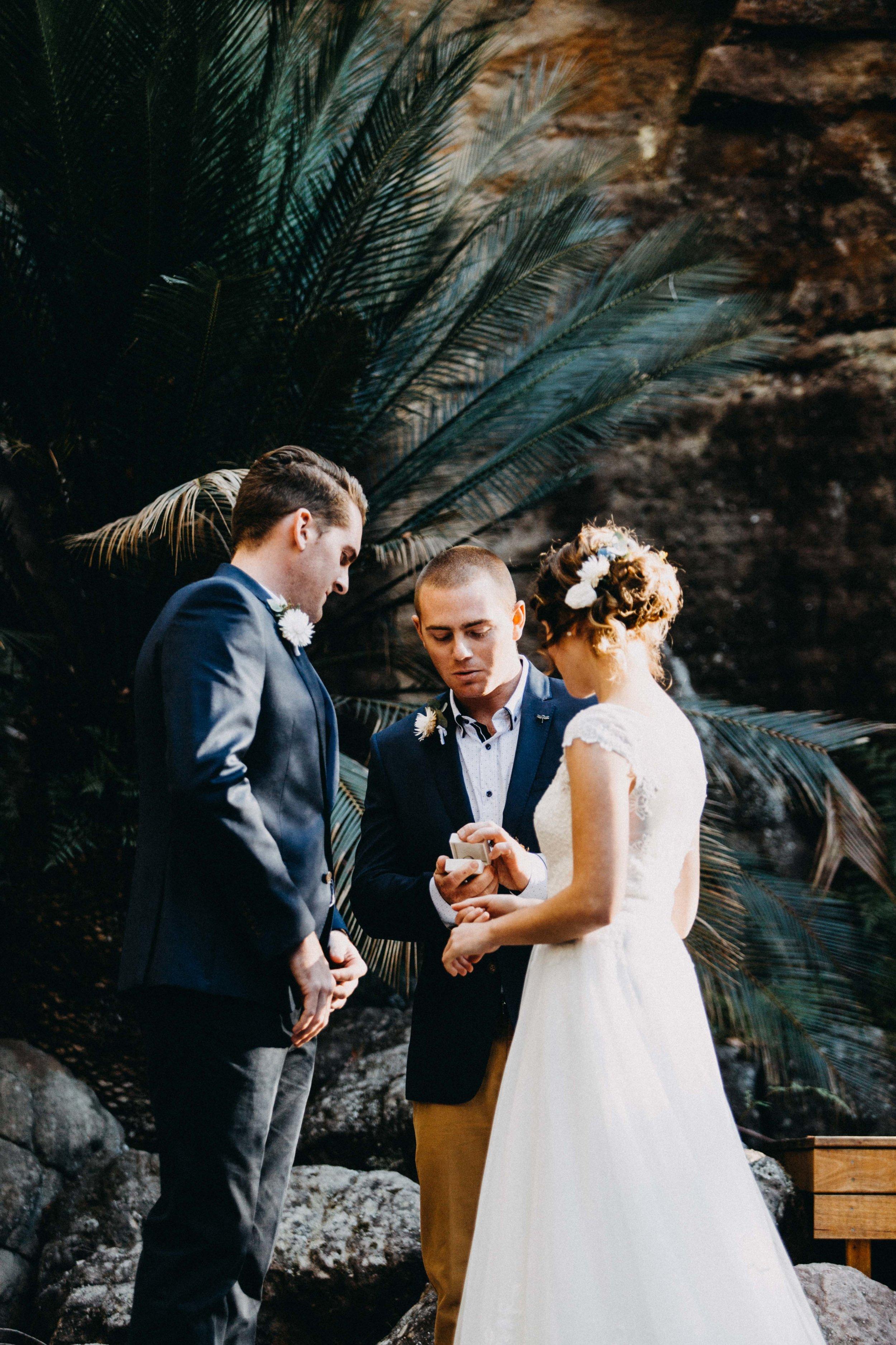 kangaroo-valley-bush-retreat-wedding-lydia-nate-www.emilyobrienphotography.net-61.jpg