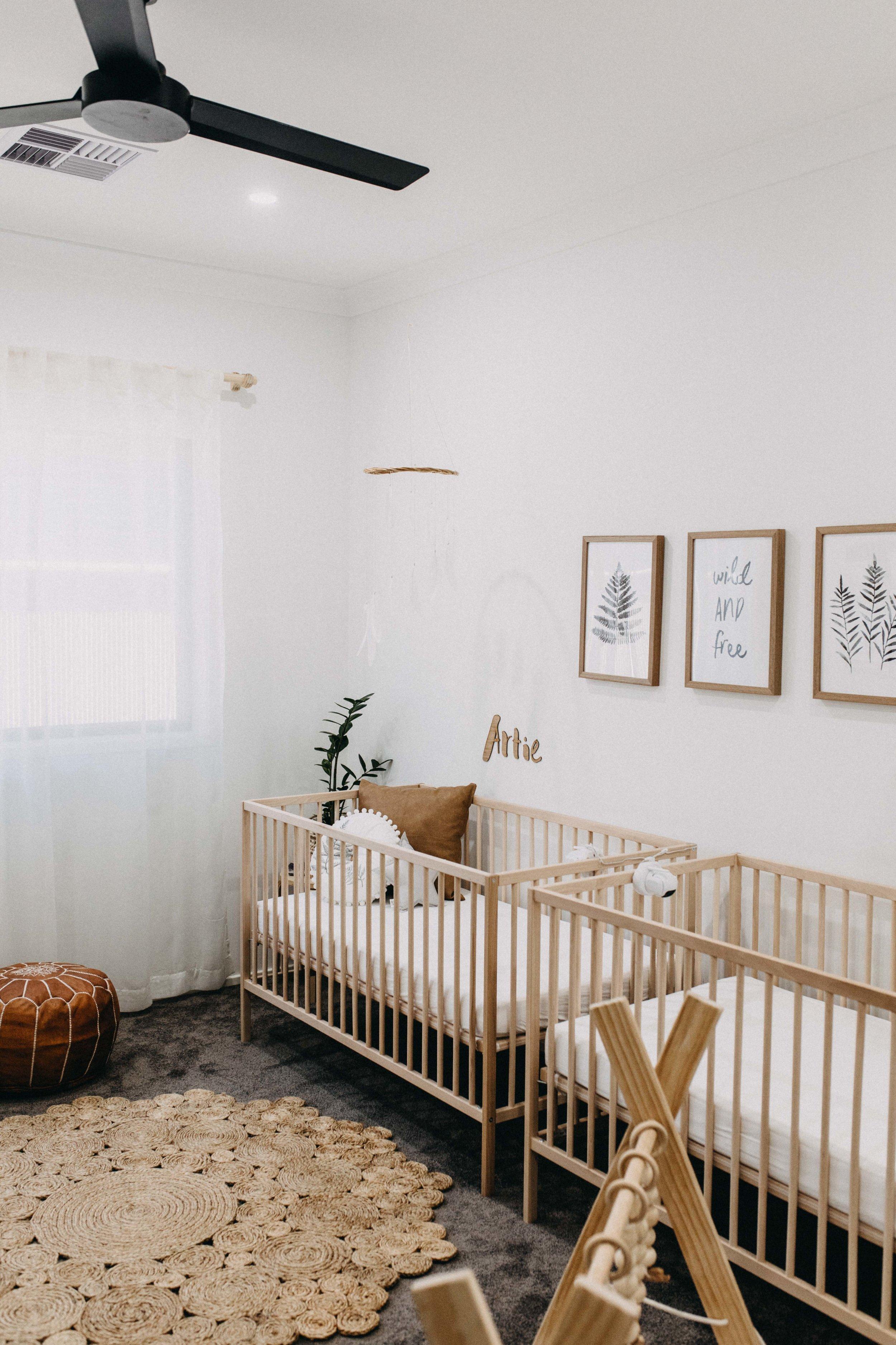 twin-newborn-photography-camden-macarthur-5.jpg