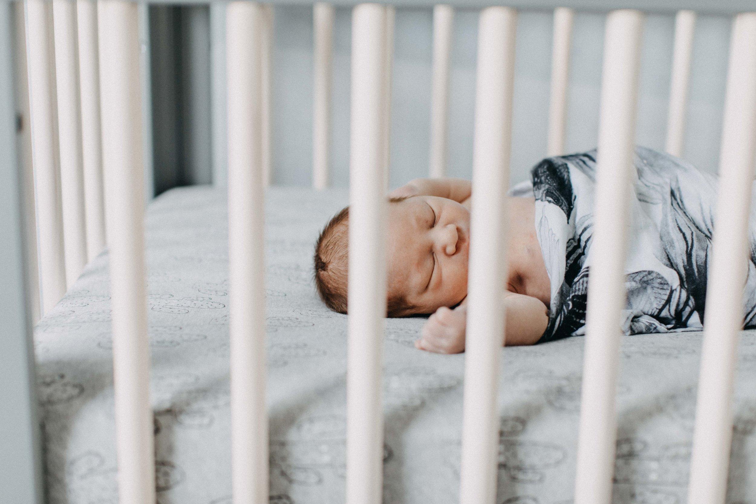 camden-newborn-photography-lifestyle-hunter-www.emilyobrienphotography.net-45.jpg