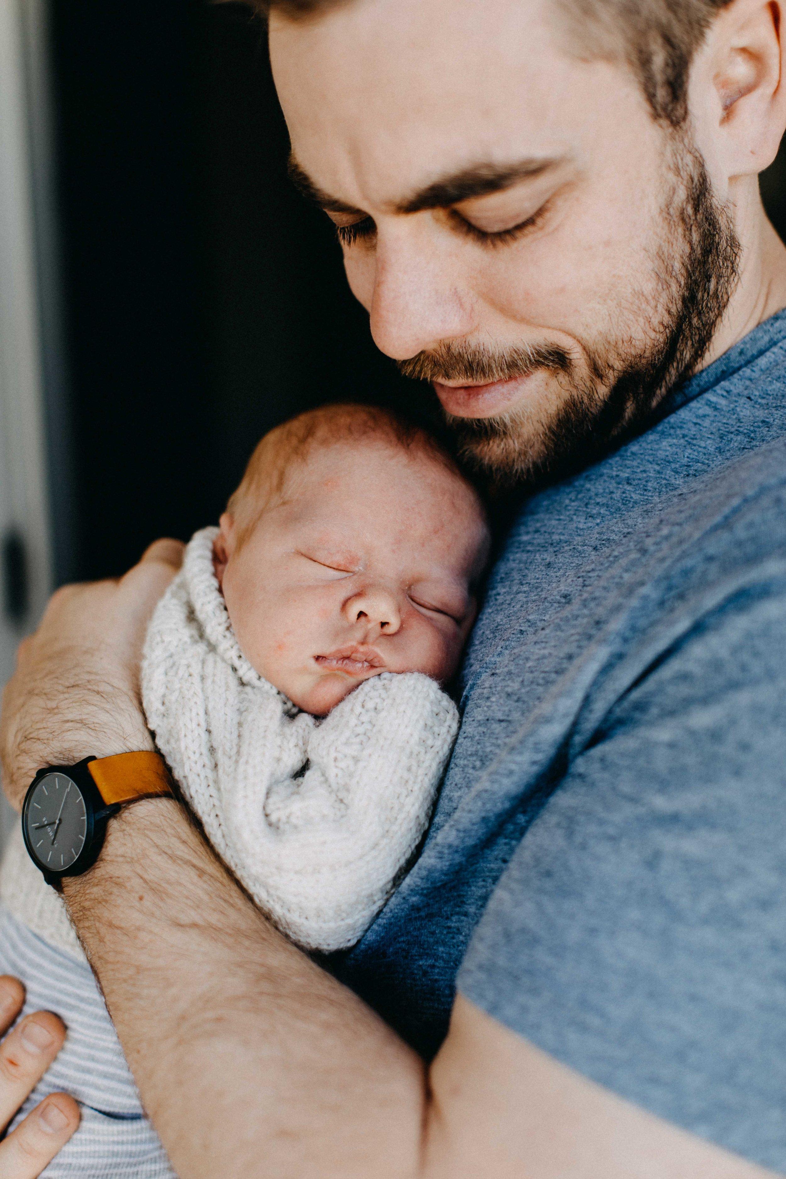 elderslie-newborn-family-photography-thom-maslen-www.emilyobrienphotography-23.jpg