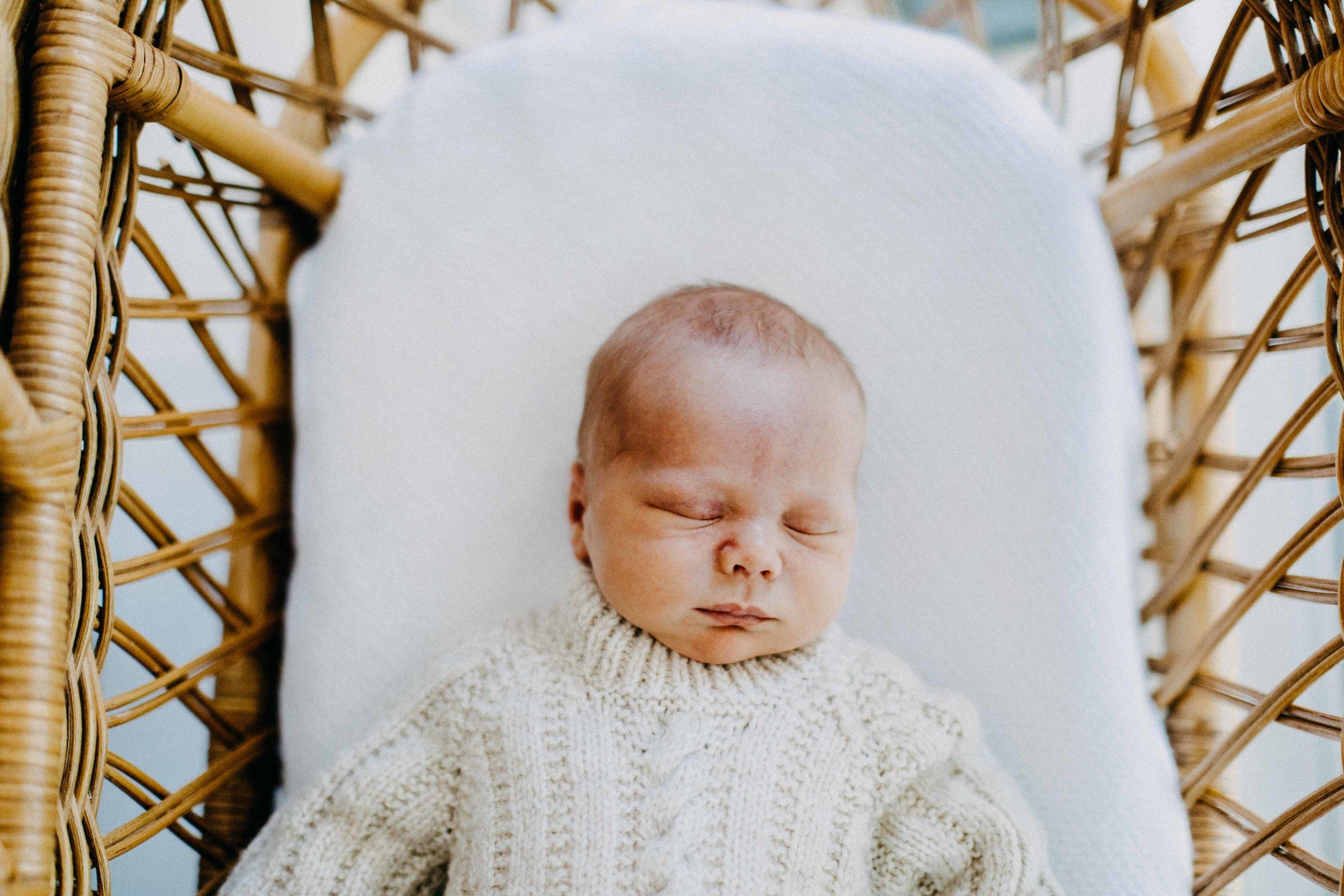 elderslie-newborn-family-photography-thom-maslen-www.emilyobrienphotography-30.jpg