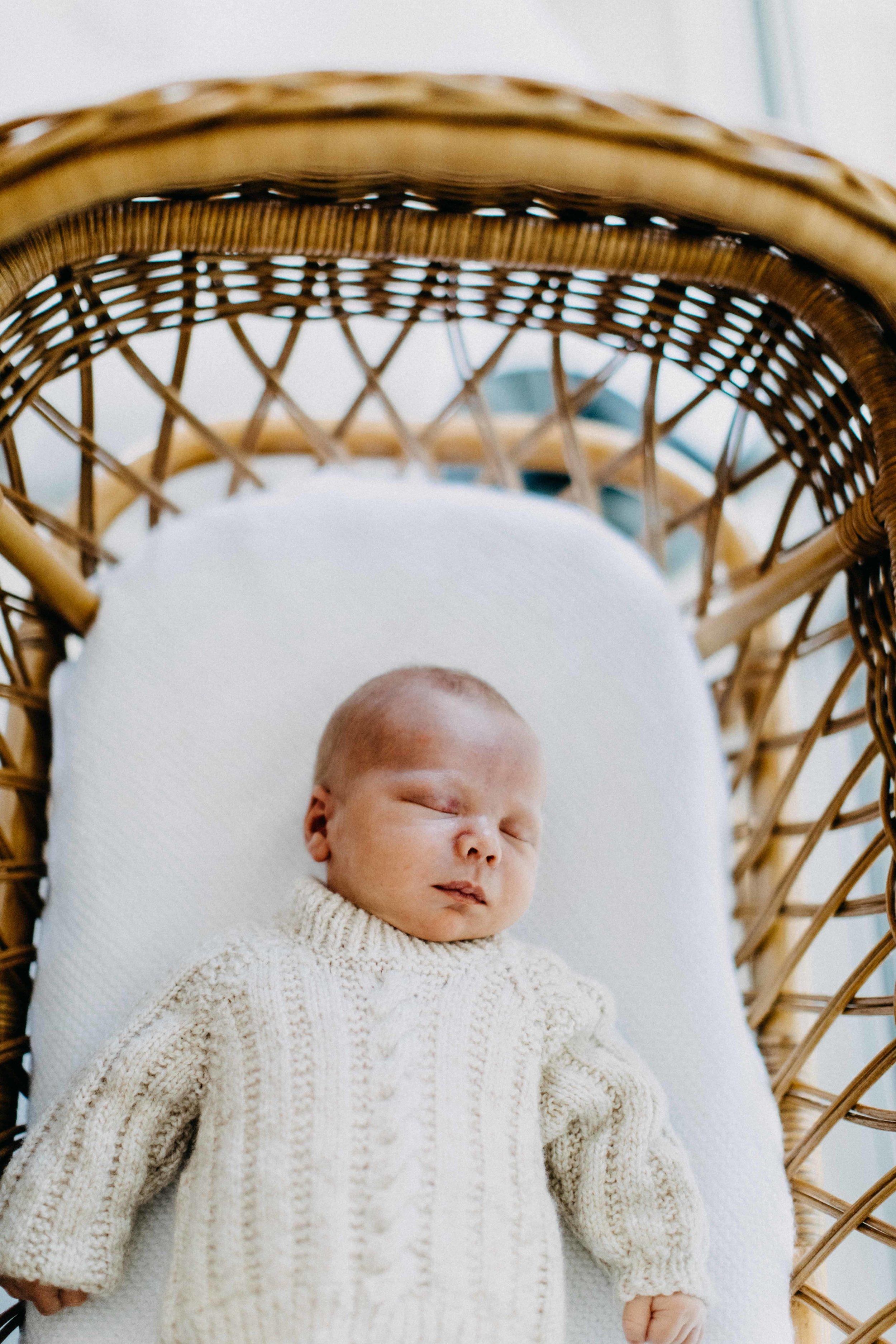 elderslie-newborn-family-photography-thom-maslen-www.emilyobrienphotography-31.jpg