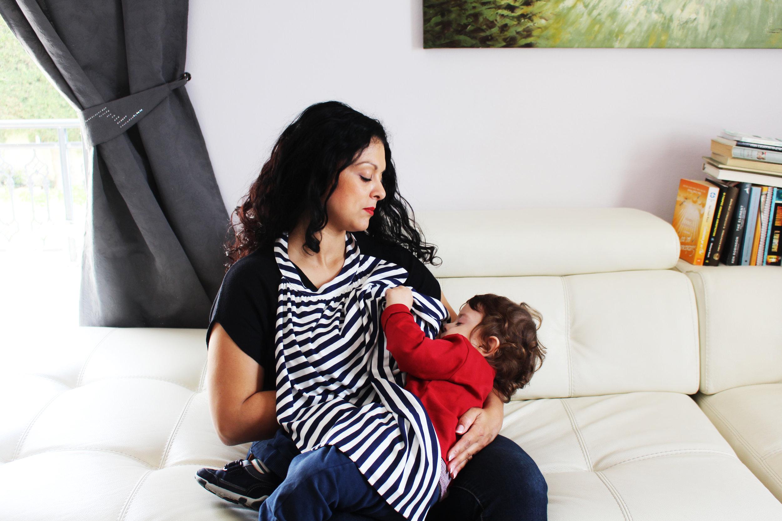 MamaBib Breastfeeding Cover