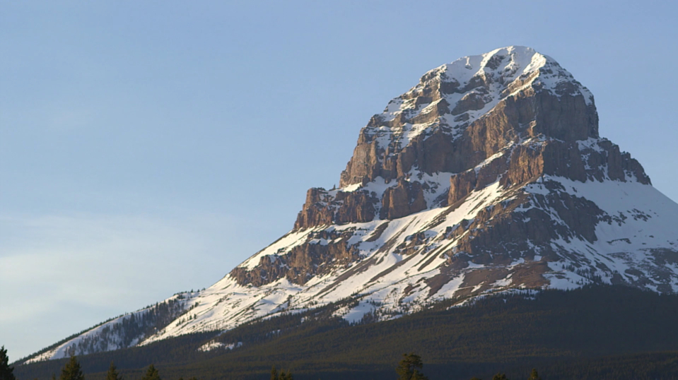 Crowsnest Mountain.jpg