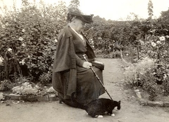 Gertrude Jekyll and cat