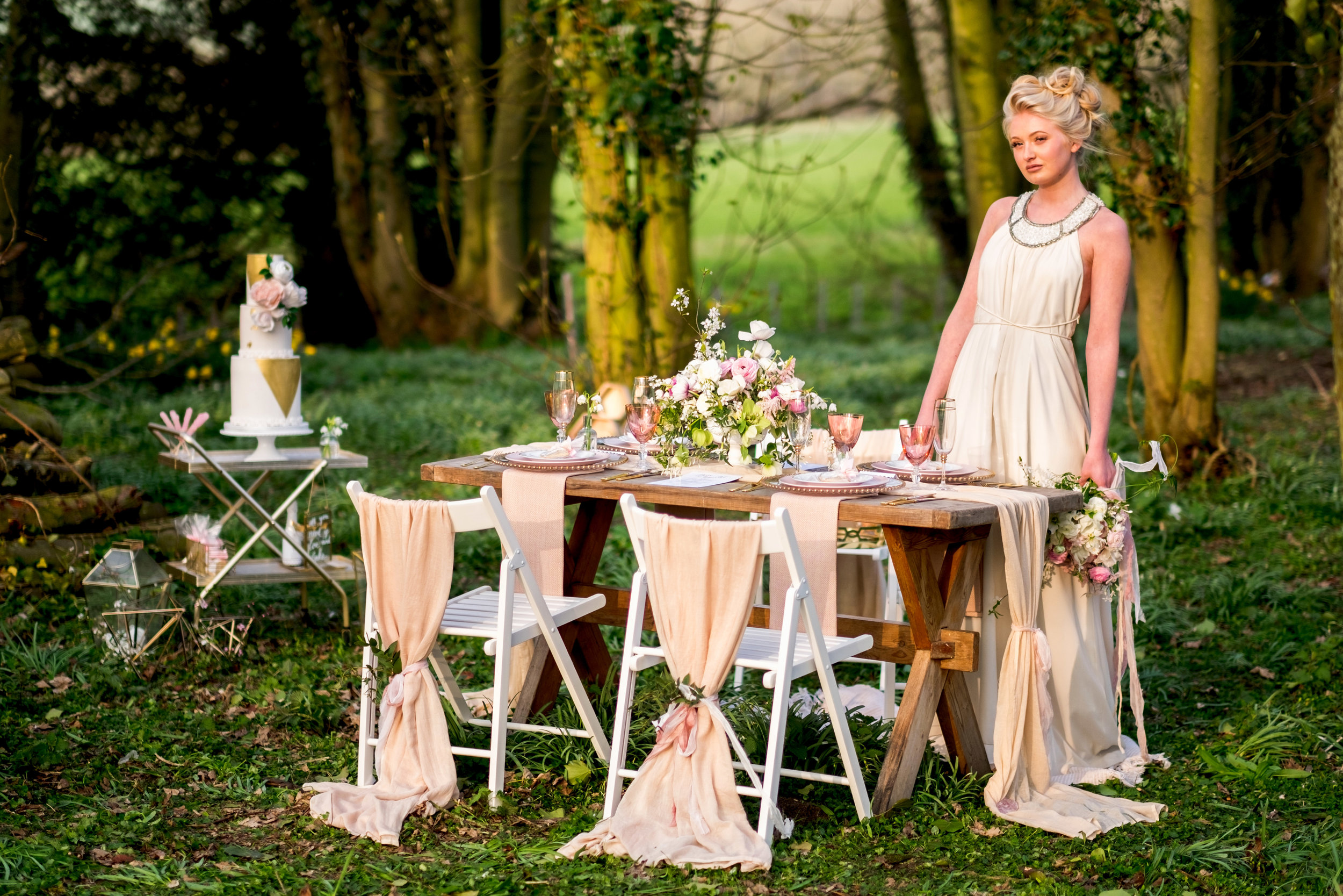 Image Dominic Whiten Photography | Florals - Moss & Stone Floral Design