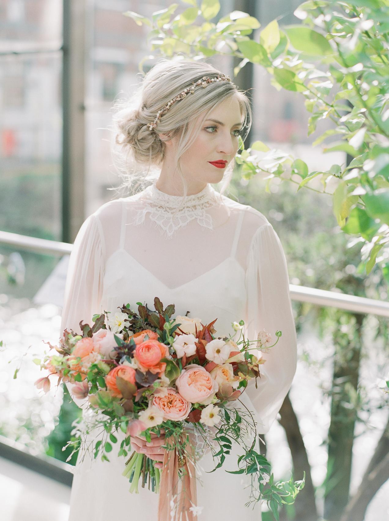 Image - Julie Michaelsen Photography   Florals - Moss & Stone Floral Design