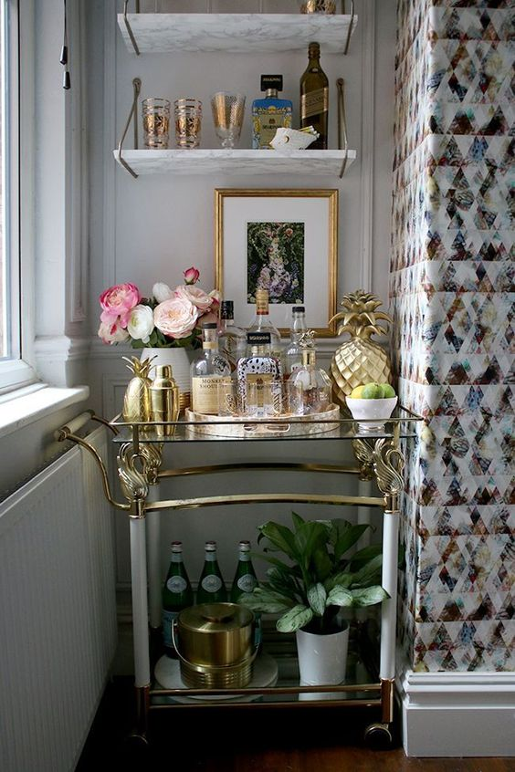 Kimberley's eclectic boho glam bar cart has won my heart! You can find our more about how to style your own bar cart over on Kimberley's blog.  (Click me)