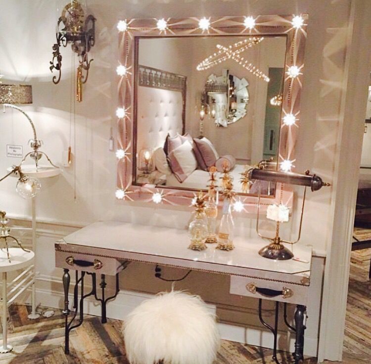 What a gorgeous glam set up! Love that fur stool too. Image via Pinterest