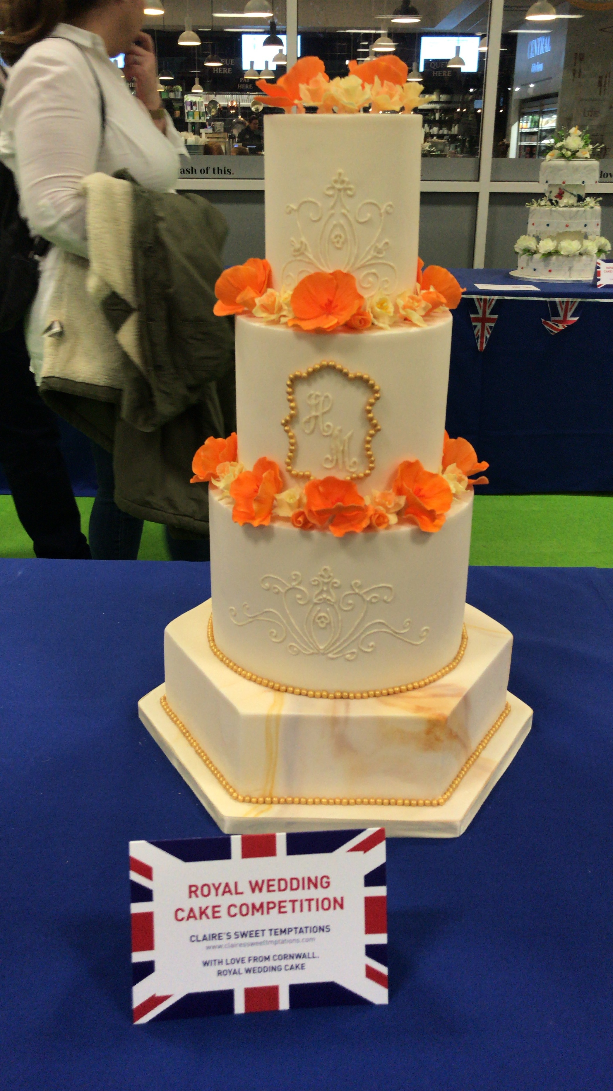 One of my favourite cake designs in the Royal Wedding Cake Competition by Claire's Sweet Temptations...*drooling*