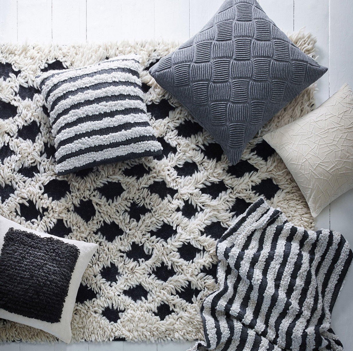 Chunky knit cushions.PNG
