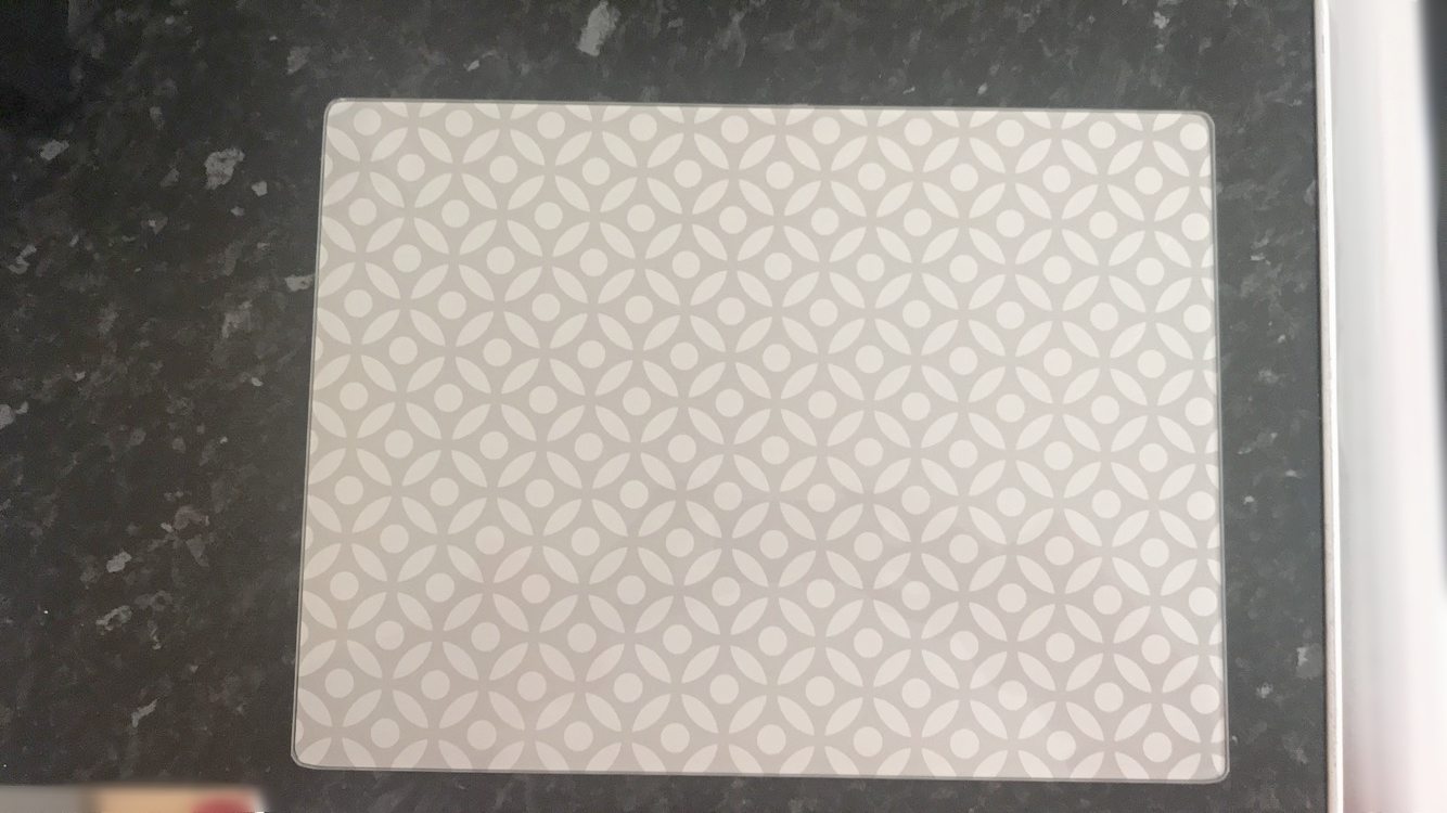 Geometric chopping board