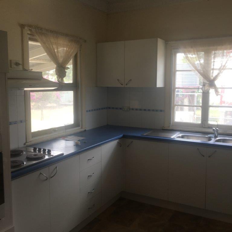 1.3.2 Kitchen 1.jpg
