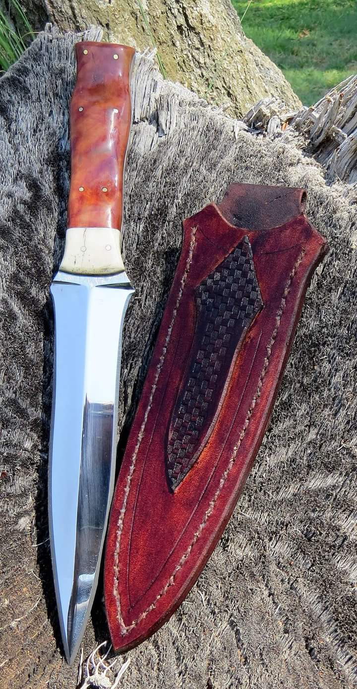 Boot dagger with personalized sheath